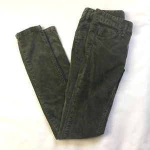 Free People Olive Green Corduroy Size W 25 Great!